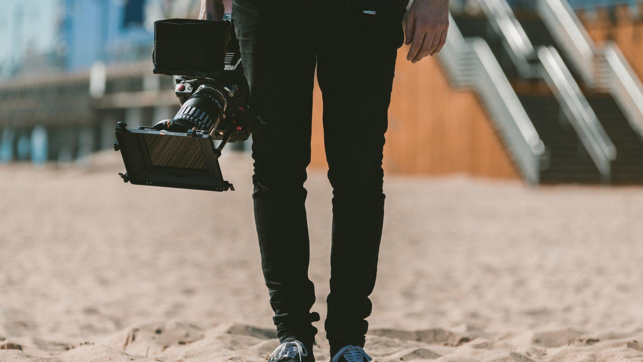 Wilt u een offerte voor uw videoproductie wat past bij uw budget? Multi Stage.